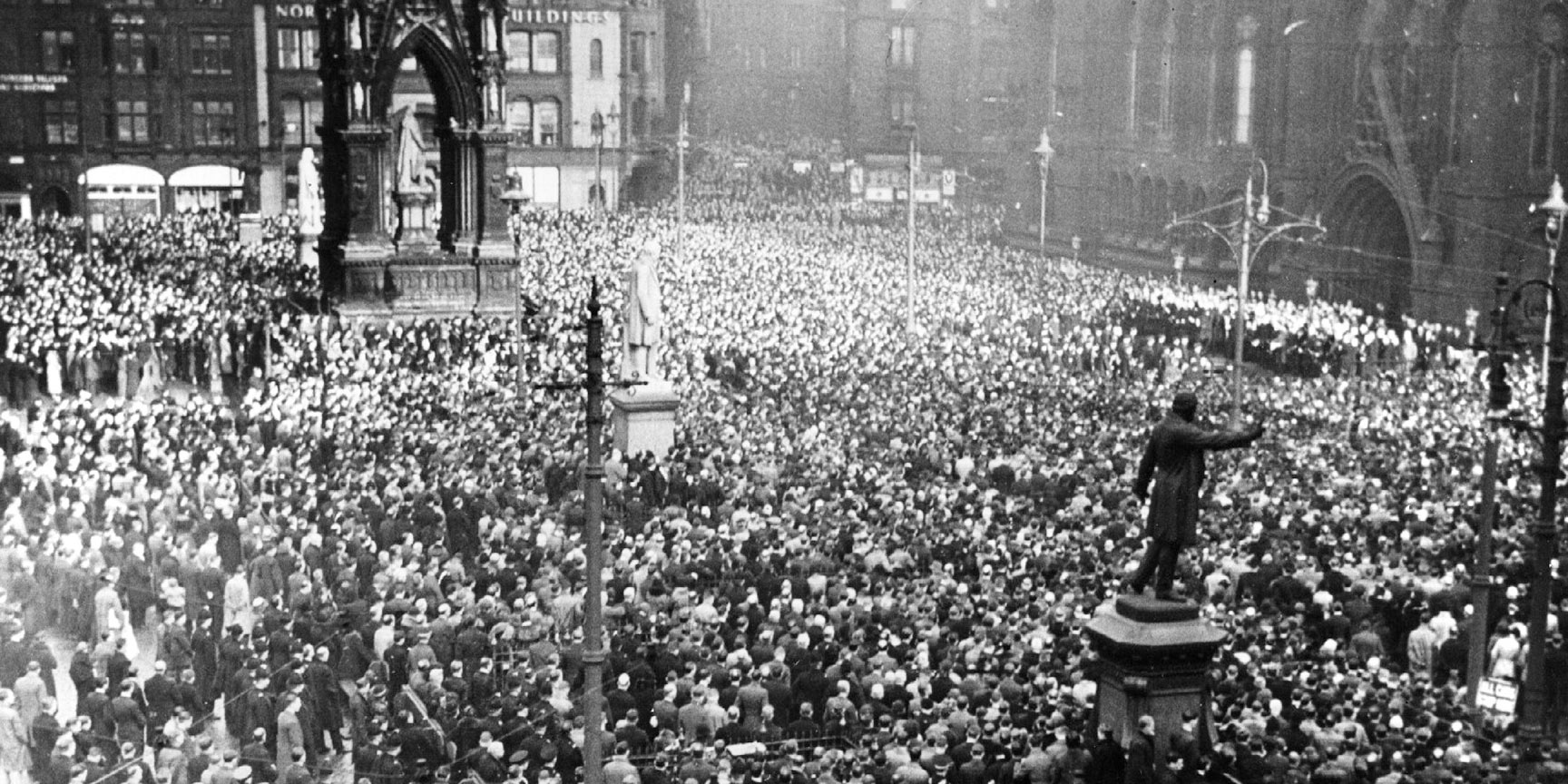 Death of George V, Silence in Albert Square 1936
